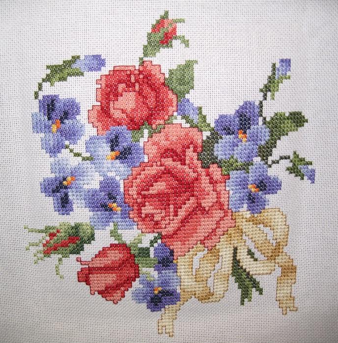 Вышивка цветов крестом